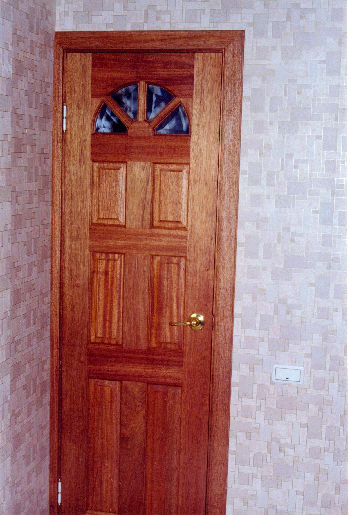 Монтаж двери в кладовую